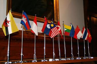 เมื่อวันที่ 25 กันยายน 2557 สถานเอกอัครราชทูต ณ กรุงโคเปนเฮเกน ร่วมกับสถานเอกอัครราชทูตอินโดนีเซีย สถานเอกอัครราชทูตฟิลิปปินส์ และสถานเอกอัครราชทูตเวียดนาม ได้จัดงานเลี้ยงรับรองของอาเซียน ณ Asia House ในกรุงโคเปนเฮเกน โดยมีสถานเอกอัครราชทูตเวียดนามในฐานะประธานกลุ่มคณะทูตอาเซียนประจำเดนมาร์กเป็นเจ้าภาพหลัก เพื่อเฉลิมฉลองโอกาสการก่อตั้งอาเซียนครบรอบ 47 ปี และประชาสัมพันธ์ให้อาเซียนเป็นที่รู้จักในเดนมาร์กงานดังกล่าวมีคณะทูต ผู้แทนรัฐบาล ผู้บริหารองค์กรทั้งภาครัฐและเอกชน รวมทั้งภาควิชาการและสื่อมวลชนเข้าร่วมกว่า 120 คน โดยสถานเอกอัครราชทูตประเทศสมาชิกอาเซียนที่เข้าร่วมงานได้นำอาหารมาให้บริการผู้เข้าร่วมด้วยอีกด้วย อาเซียนได้อนุมัติการจัดตั้งคณะกรรมการอาเซียน ณ กรุงโคเปนเฮเกน (ASEAN […]
